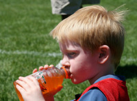 Las bebidas isotónicas pueden dañar los dientes