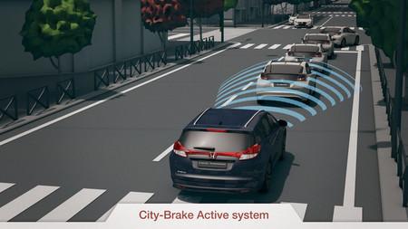 Honda Civic, más seguridad en 2014 (opcionalmente)
