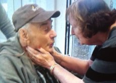 La pareja de ancianos canadienses separados en residencias diferentes... se ha reunido, al fin