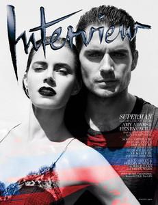 Henry Cavill y Amy Adams. En blanco y negro, a colores, impresionantes