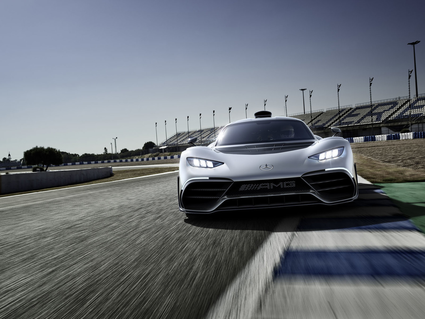 Foto de Mercedes-AMG Project One Conept: (1/11)