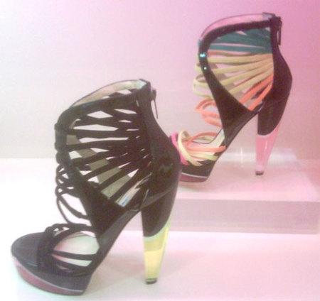 El calzado más luminoso de Jimmy Choo