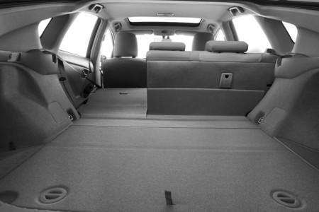 Mitos y leyendas de los maleteros en un coche híbrido: el espacio grande existe