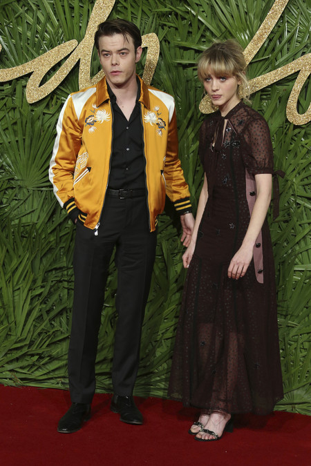 british fashion awards alfombra roja Natalia Dyer