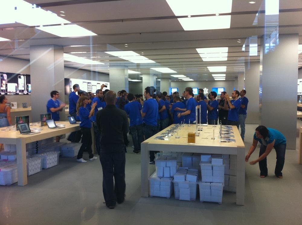 Foto de Inauguración Apple Store La Maquinista (36/93)