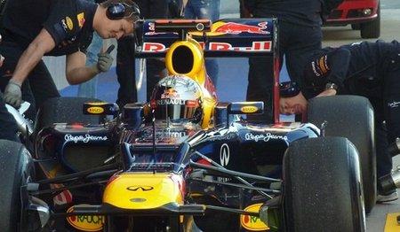 Sebastian Vettel saca el martillo y manda en el primer día de pruebas en Barcelona