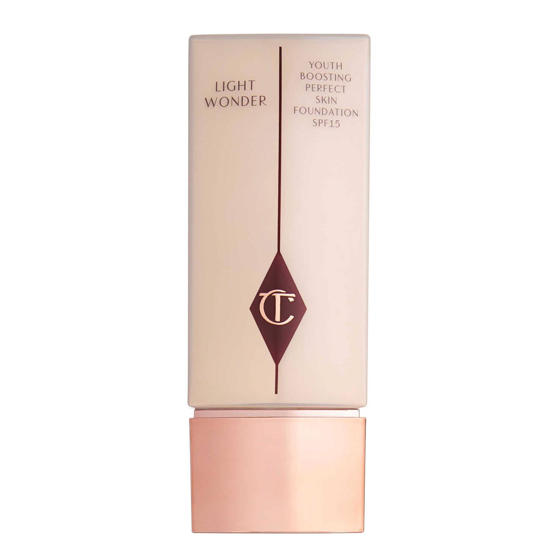 CHARLOTTE TILBURY Light Wonder Fondo de Maquillaje