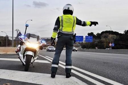 Casi 3.000 conductores dan positivo en alcohol o drogas en la campaña de la DGT de agosto de 2021