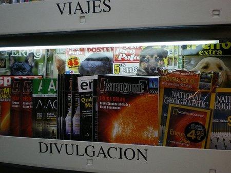Estentería de revistas de divulgación