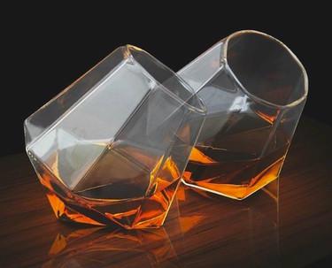 Copas de whiskey Diamond Glass, elegancia y modernidad