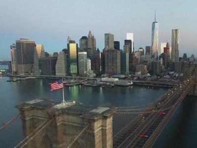Volando entre los rascacielos de Nueva York con un drone