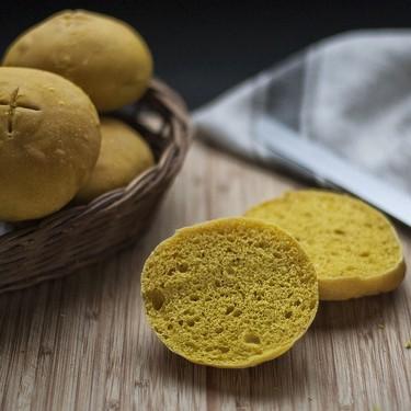 Panecillos de cúrcuma con Thermomix, la mejor receta para llenar de color vuestro bocata preferido