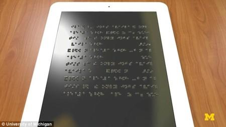 """""""Kindle"""" para invidentes: el desafío de crear una tablet con una pantalla que se puede palpar"""