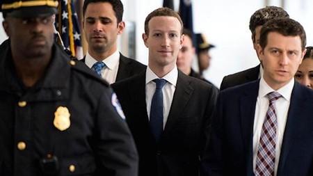 """""""Fue mi error, y lo siento. Yo inicié Facebook y yo soy responsable de lo que pasa aquí"""": Mark Zuckerberg ante el Congreso de EEUU"""