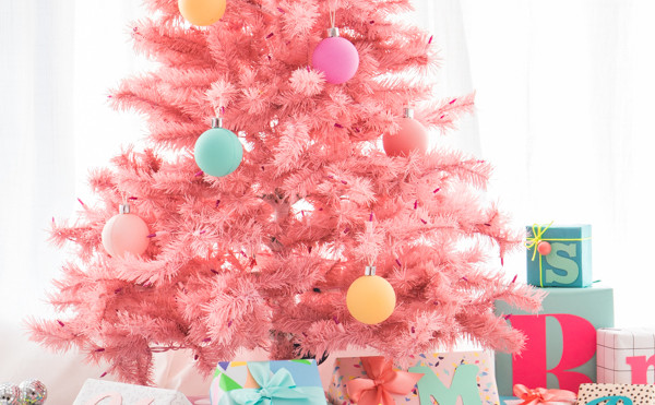 Buena o mala idea? Un árbol de Navidad en color rosa