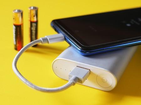 Esta nueva batería de estado sólido desarrollada por el MIT lograría que un móvil dure días sin recargarse