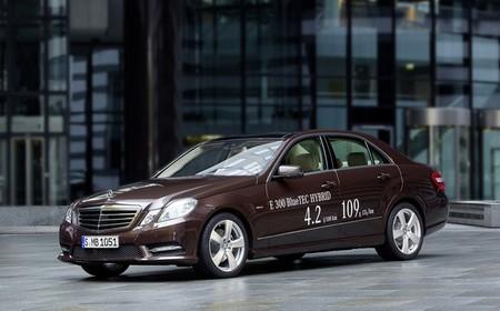 El Mercedes-Benz E 300 BlueTEC HYBRID ya tiene precio