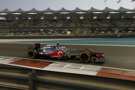 Lewis Hamilton marca el ritmo en la tercera sesión. Sebastian Vettel se erige como protagonista