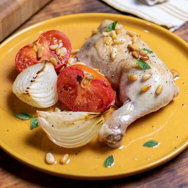 Pollo asado al estilo italiano, la receta de pollo al horno más mediterránea (con vídeo incluido)
