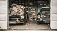 Descubren 100 coches clásicos en un granero francés