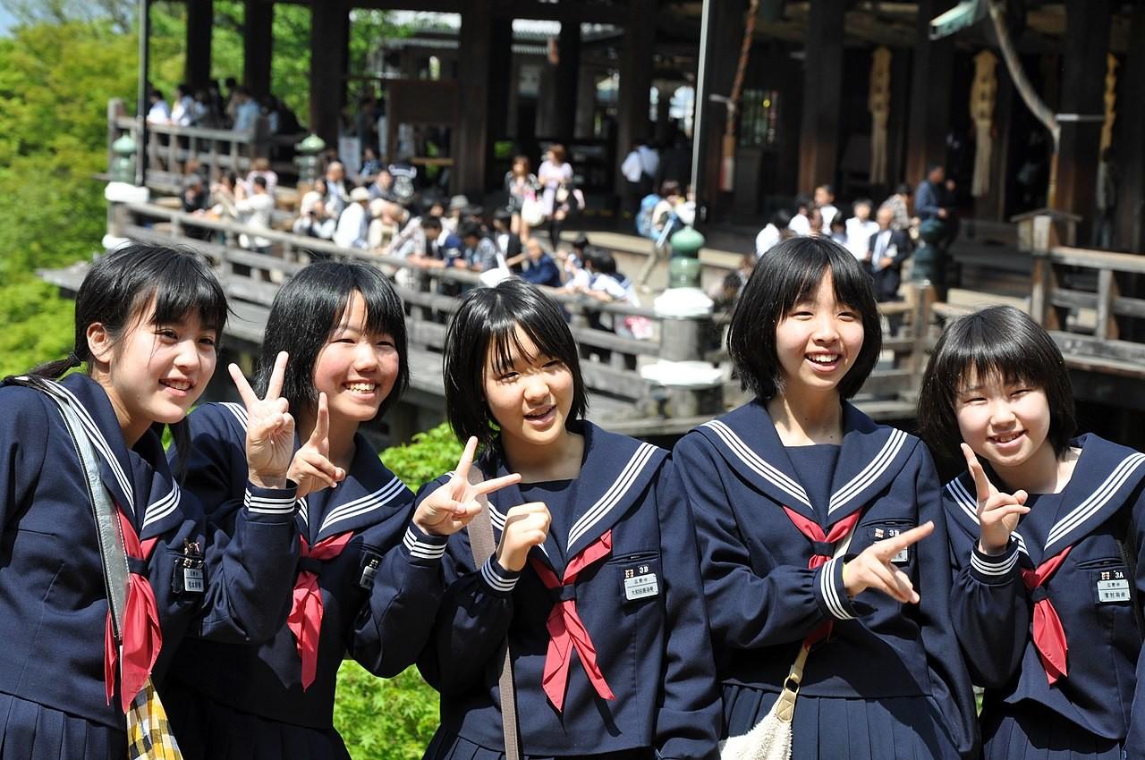 Las escuelas públicas de Tokio ya no exigirán que los alumnos lleven el negro. El fin de una norma absurda