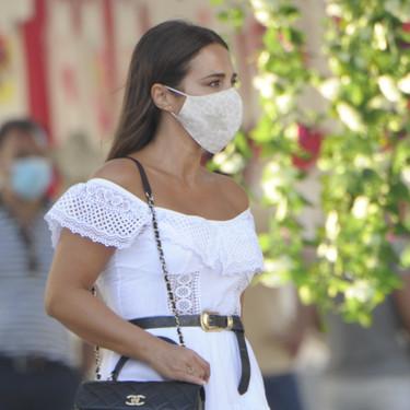 Paula Echevarría y Doña Letizia comparten marca: las dos apuestan por un vestido blanco ibicenco de la misma diseñadora