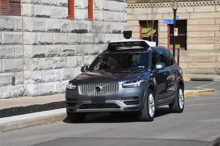 Uber reiniciará su programa de conducción autónoma enfocándose en la seguridad