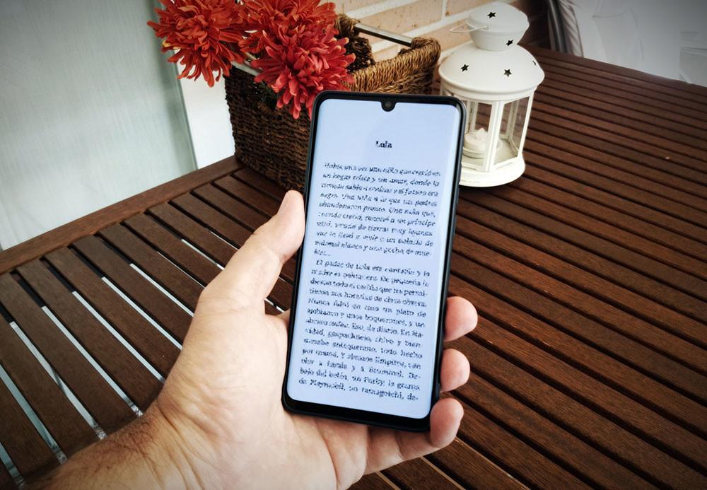 En defensa de acertar books en el móvil: por qué ya no leo acierto ni en papel ni en el catedrático de e-books