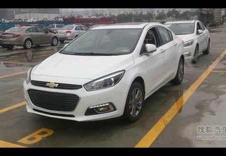 Fotos espía: ¡Nuevo Chevrolet Cruze al desnudo!