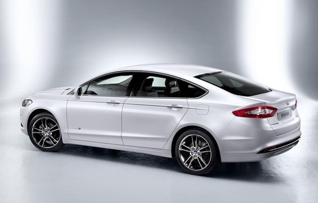 Ford Mondeo Híbrido 03