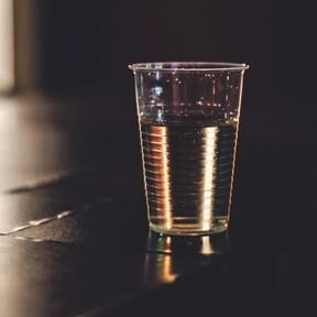 Estos son los problemas que los restaurantes están sufriendo por la prohibición de plásticos