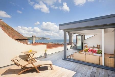 Puertas abiertas: una casa con historia y una fantástica terraza en Dorset, Inglaterra