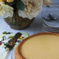 Pastel al Cointreau con crema de limón. Receta de Marta Stewart