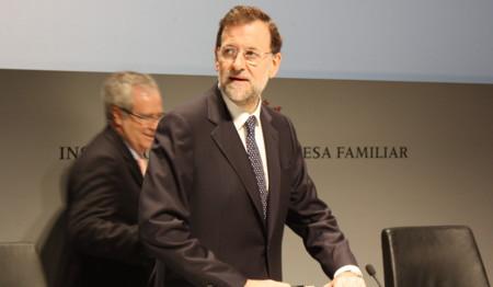 Rajoy promete una exención total del IRPF para jubilados y para el primer empleo