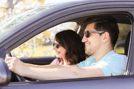 Cómo elegir gafas de sol, el mejor aliado para conducir en verano