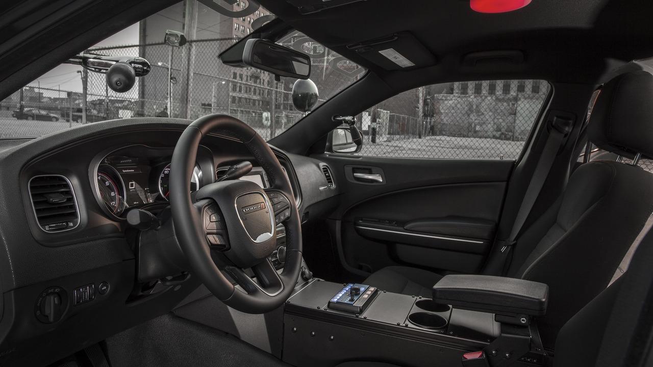 Foto de Dodge Charger Pursuit California HP (18/20)