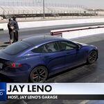 ¡Brutal! El Tesla Model S Plaid bate el récord de aceleración en el cuarto de milla con Jay Leno al volante
