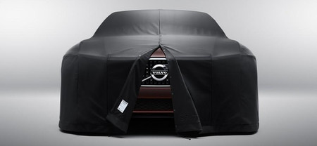 El Volvo Concept Estate se esconde bajo este impermeable