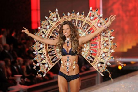 Alessandra Ambrosio Victorias Secret Fashion Show
