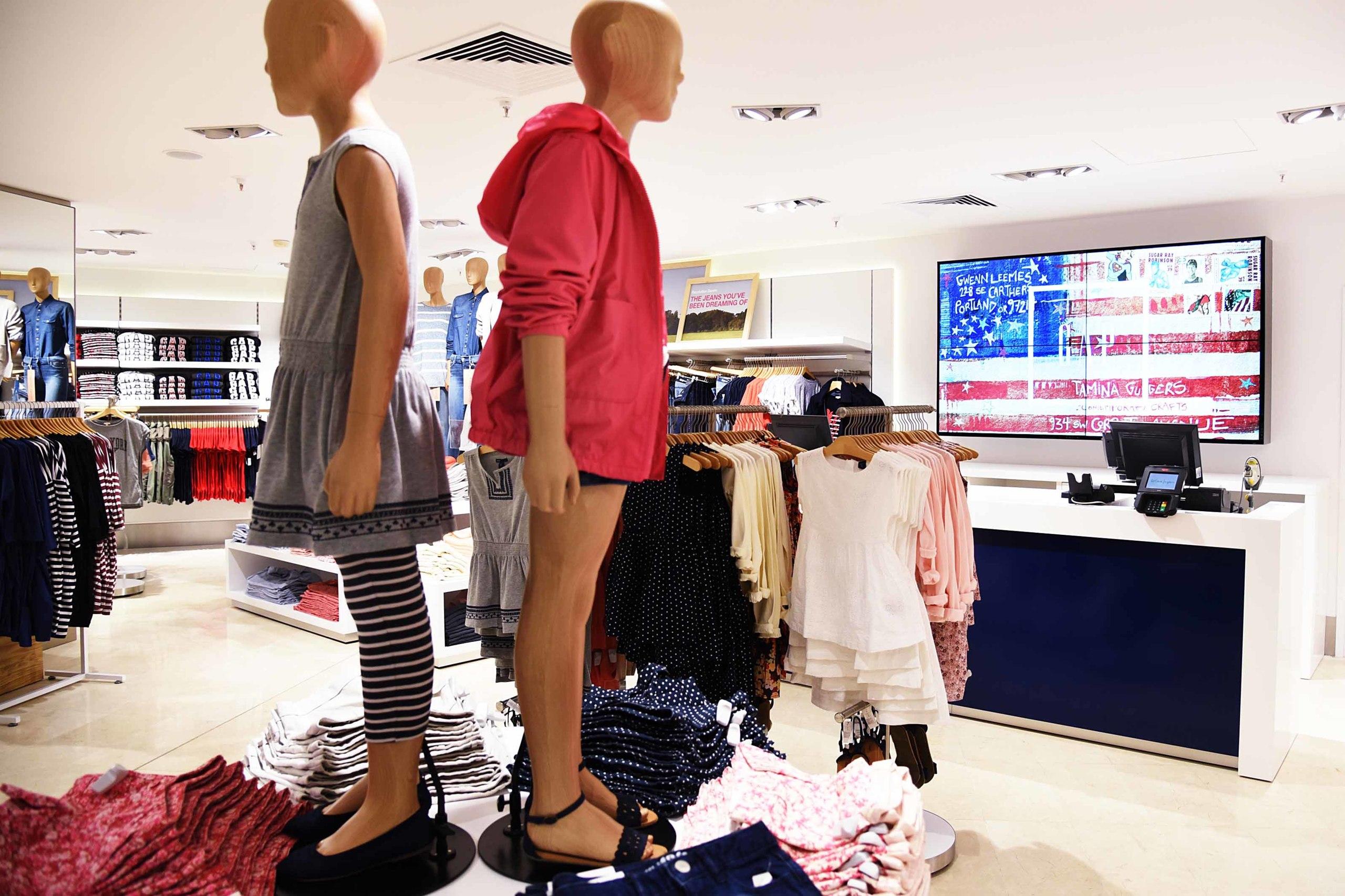 Foto de La tienda de Gap en El Corte Inglés de Barcelona (7/8)