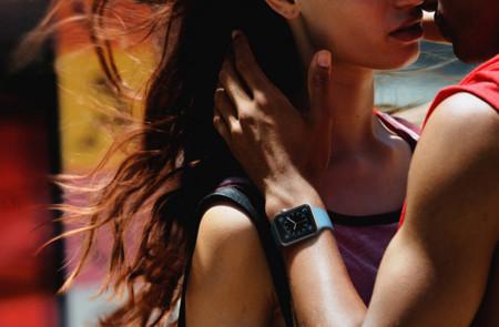 Era cuestión de tiempo: el Apple Watch da sentido a los fichajes de moda en la cúpula de Tim Cook