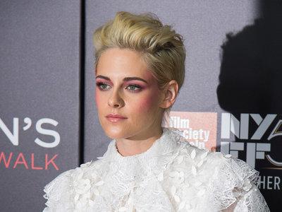¡Kristen Stwart resucita en estilo! Vuelve a preocuparse por su aspecto en un photocall como 'Reina de las nieves'