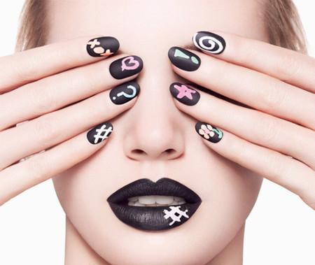 Ciaté trae la manicura efecto pizarra, ¡personaliza tus uñas!