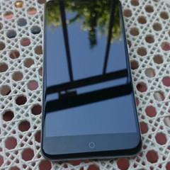 Foto 3 de 12 de la galería zte-blade-v7-diseno en Xataka Android