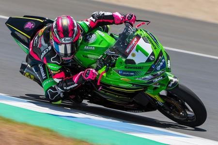 La campeona Ana Carrasco gana en Misano su primera carrera de la temporada en Supersport 300