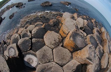 Magma enfríado a 840 grados: así es como se formó la espectacular Calzada del Gigante