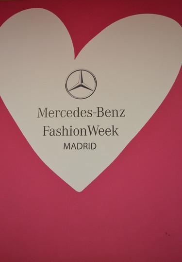 Todo lo que siempre quisiste ver de Mercedes-Benz Fashion Week Madrid y nunca te enseñaron
