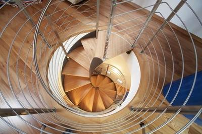 Sofisticada escalera de caracol de acero de Rizzi
