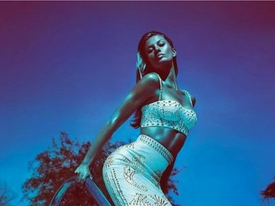 Versace campaña Primavera-Verano 2012: Gisele is back!