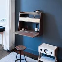 Los escritorios de pared pueden ser la solución perfecta para los espacios reducidos que no quieren renunciar a su rincón de trabajo